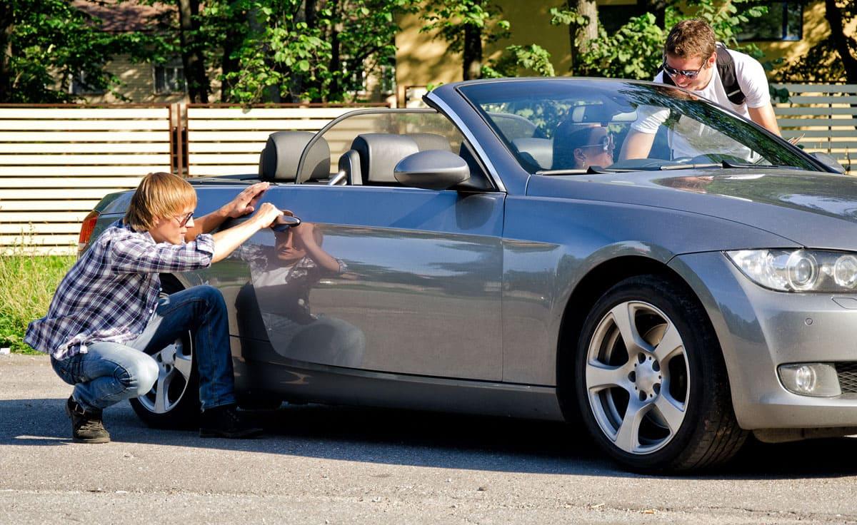 car-jacking ou carjacking ou vol avec violence dans une voiture
